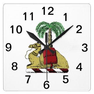 Horloge Carrée Manteau de couleur de palmier de chameau des bras