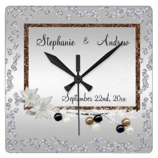 Horloge Carrée Mariage encadré d'élégance