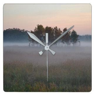 Horloge Carrée Matin brumeux