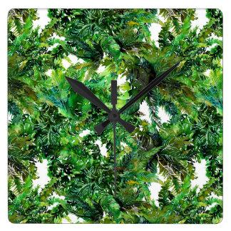 Horloge Carrée Motif vert de chute de forêt de fougère