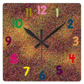 Horloge Carrée Nombres colorés d'amusement Artsy
