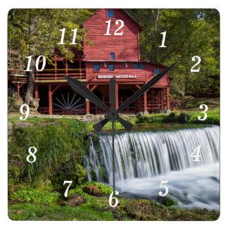 Horloge Carrée Paysage de moulin de Hodgson