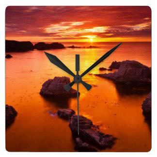 Horloge Carrée Paysage marin orange, coucher du soleil, la