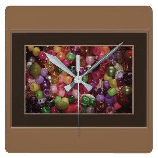 Horloge Carrée Perles colorées de bijoux