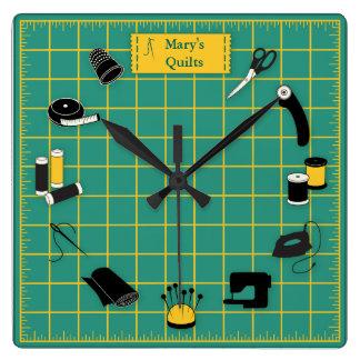Horloge Carrée Personnaliser de temps d'édredon l'étiquette