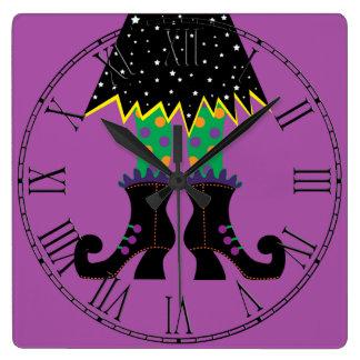 Horloge Carrée Pieds drôles colorés de sorcière de Halloween