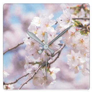 Horloge Carrée pilow de flowes de Sakura
