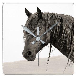 Horloge Carrée Portrait sauvage d'étalon