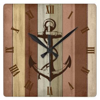 Horloge Carrée Rayures nautiques en bois et ancre de ton rustique
