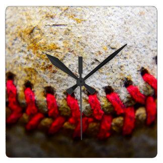 Horloge carrée rocailleuse de dentelle de