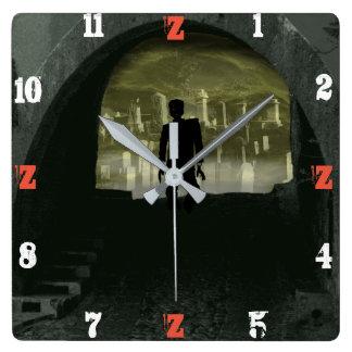 Horloge Carrée TEMPS de TUNNEL de ZOMBI par Slipperywindow