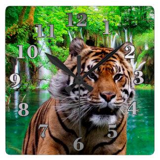 Horloge Carrée Tigre et cascade