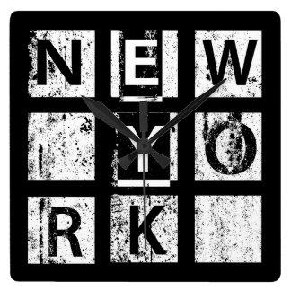 Horloge Carrée Typographie grunge de Bronx New York  