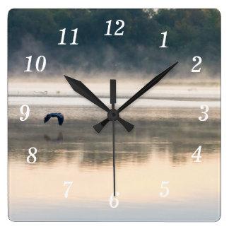 Horloge Carrée Vol brumeux de matin