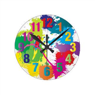 Horloge colorée d'art