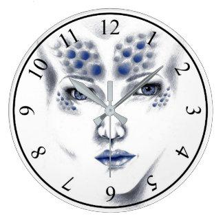 Horloge d'art de Mlle Universe Alien Madame