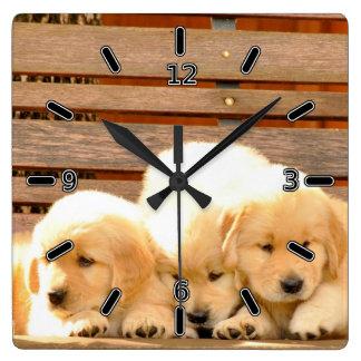 Horloge de 3 chiots (avec des nombres)