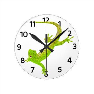 Horloge de bande dessinée de lézard de bébé