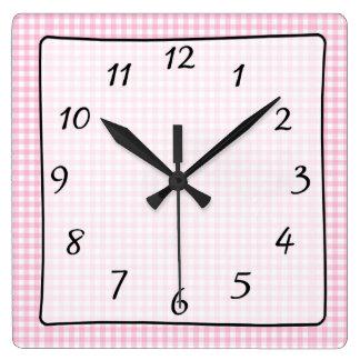 Horloge de la crèche du bébé Checkered rose de