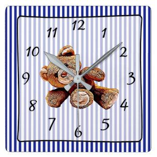 Horloge de la crèche du bébé rayé bleu d'ours de