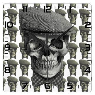 """Horloge de mur carrée «Crâne de chapeau """""""