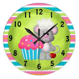 Horloge de souris de petit gâteau