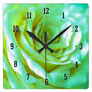 Horloge décorative de rose romantique