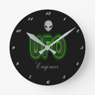 Horloge d'ingénieur d'UFO