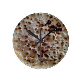 Horloge murale anglaise grillée de crumpet