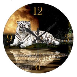 Horloge murale blanche d'amoureux des animaux de