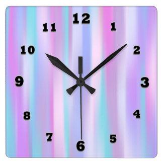 Horloge murale carrée de rayures en pastel