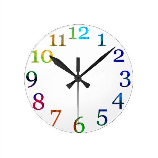 horloge murale color e de nombres d 39 arc en ciel zazzle. Black Bedroom Furniture Sets. Home Design Ideas