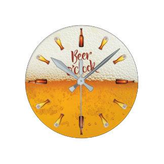 Horloge murale d'arrière - plan de bière