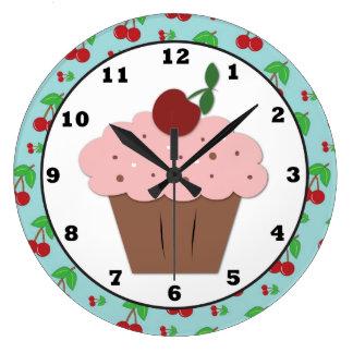Horloge murale de bonbon à petit gâteau de cerise