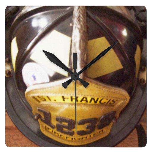 Horloge murale de casque de sapeur-pompier