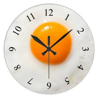 horloge murale de cuisine d'oeuf au plat