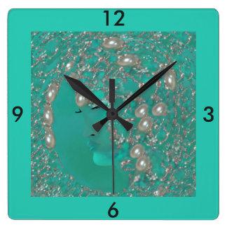 Horloge murale de Madame Pearl - bleu de