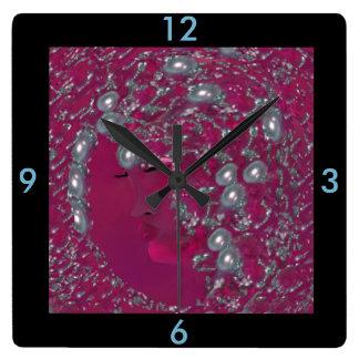 Horloge murale de Madame Pearl - Maison
