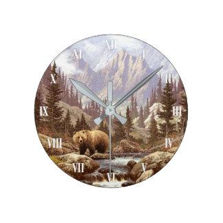 Horloge murale de paysage d'ours gris