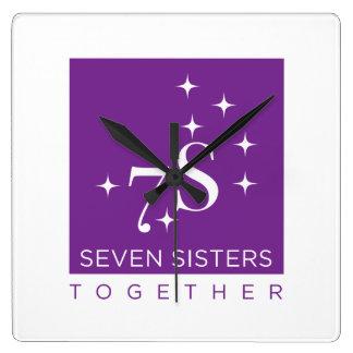Horloge murale de sept soeurs ensemble