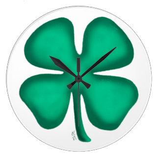 Horloge murale de trèfle irlandais de feuille de