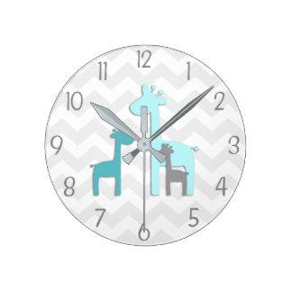 Horloge murale grise de crèche de girafe d'Aqua