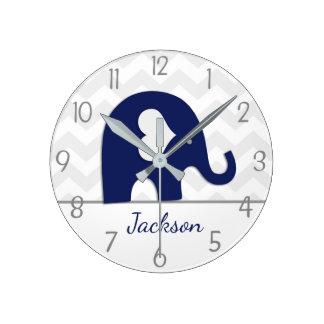 Horloge murale grise de crèche d'éléphant de bleu