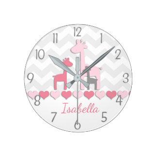 Horloge murale grise rose de girafe