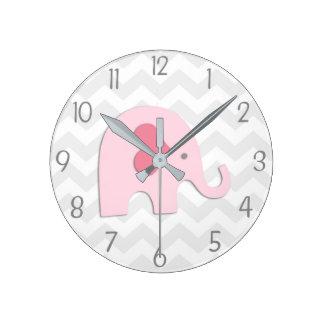 Horloge murale grise rose d'éléphant