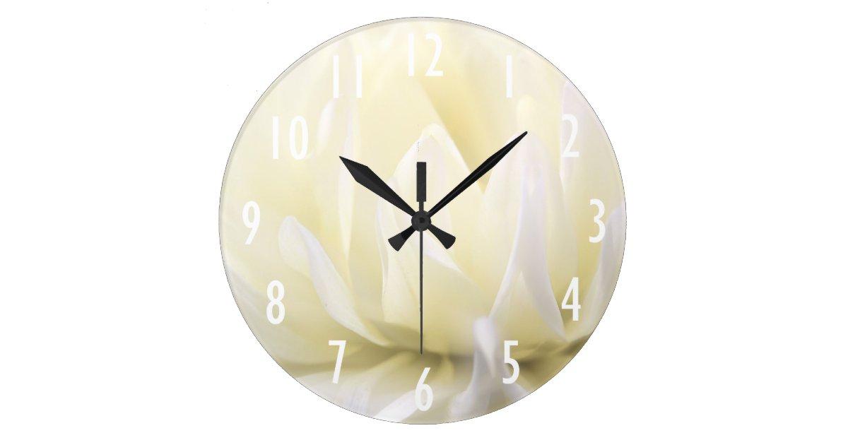 horloge murale molle de fleur blanche. Black Bedroom Furniture Sets. Home Design Ideas