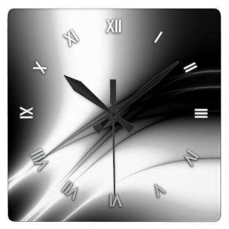 Horloge murale noire et blanche d'estuaire