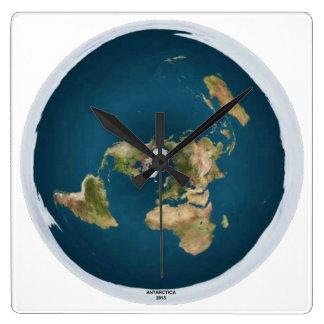 Horloge murale plate de carré de la terre