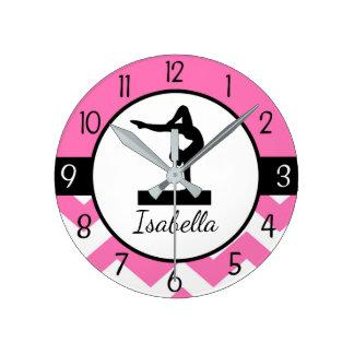 Horloge murale rose de gymnastique