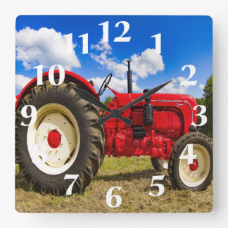 Horloge murale rouge de tracteur